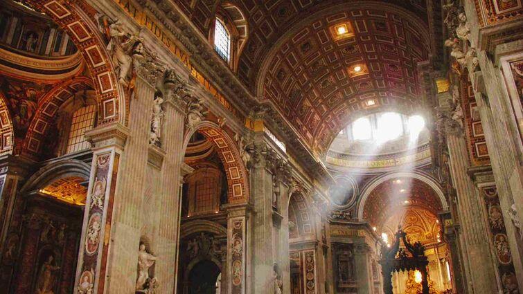 je te laisserai des mots in an empty cathedral