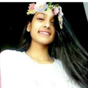 Jazmin Esfir's avatar