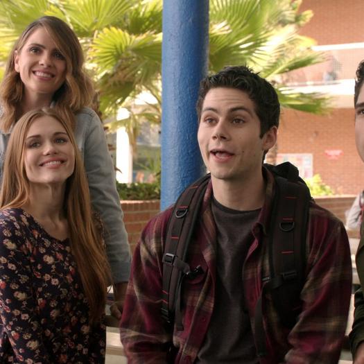 Shelley-Hennig-Dylan-O'Brien-Tyler-Posey-Holland-Roden-Malia-Stiles-Scott-Lydia-school-photo-Teen-Wolf-Season-6-Episode-1-Memory-Lost.png
