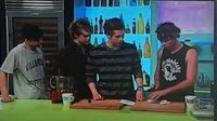 5 Seconds of Summer - Sunday Brunch - Cooking (Part 1)
