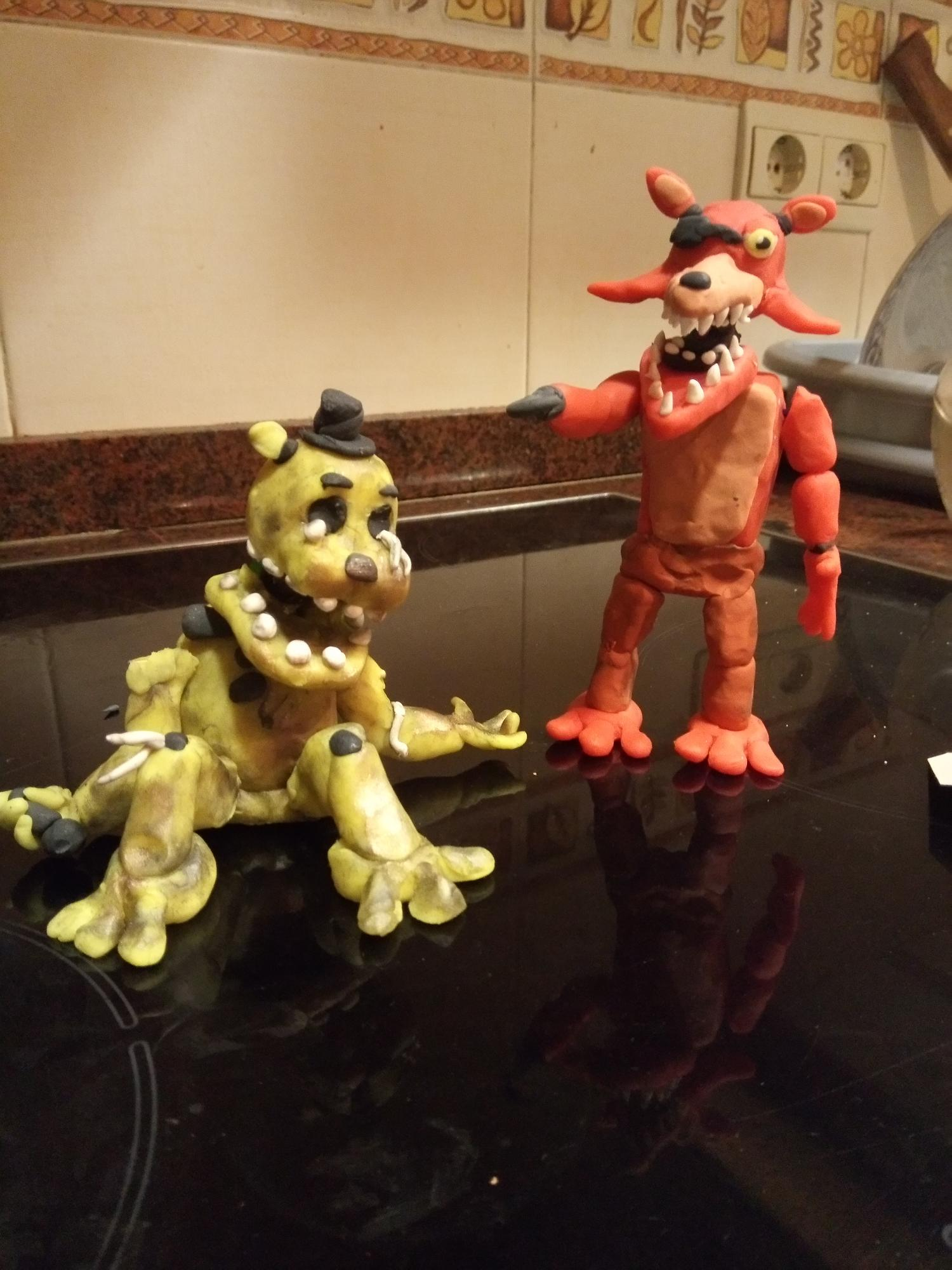 Withered golden Freddy y unwithered Foxy, están Chidos