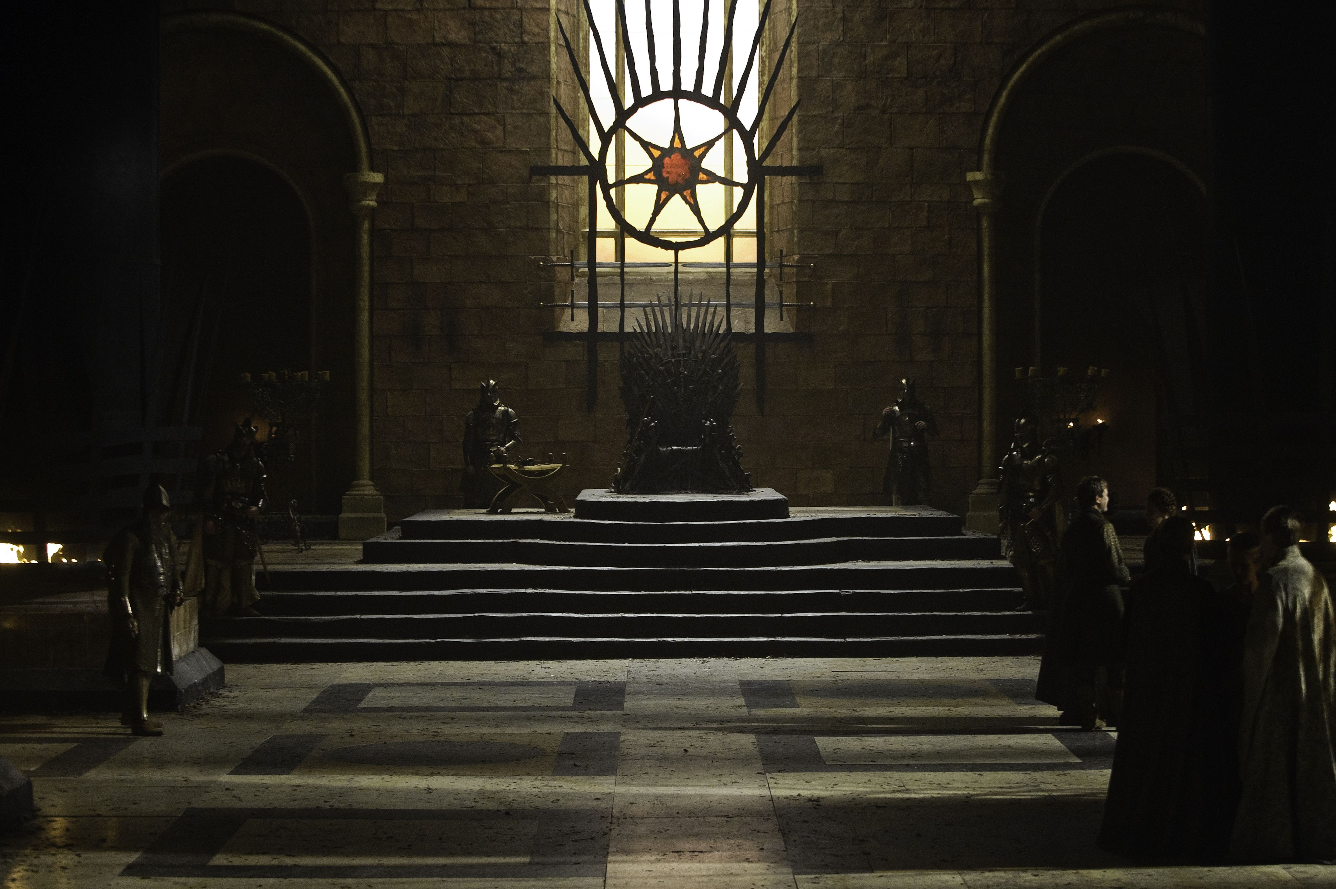 Has anyone noticed the visual storytelling in the Iron Throne room ...