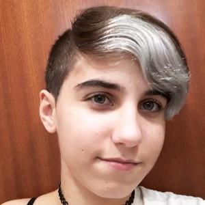 LuciaCabre03's avatar