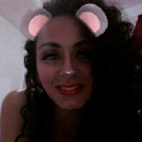 Monique Melo's avatar