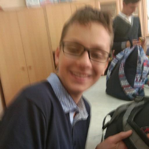 Artem Piunov's avatar