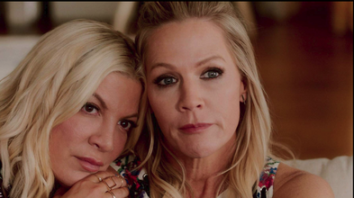 Jennie Garth and Tori Spelling in BH90210 S1E1 The Reunion