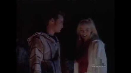 Beverly Hills, 90210 — Dylan and Kelly at Paradise Cove