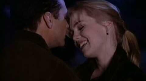 Beverly Hills, 90210 - Old Friend's Kiss