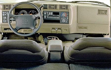 95blazer interior.jpg