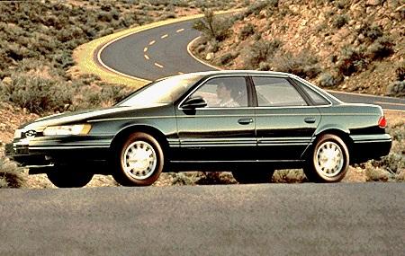 1995 Ford Taurus 4DR Sedan.jpg