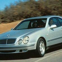 1998 Mercedes-Benz CLK320 (2).jpg