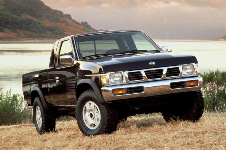 1995 Nissan 4x4 SE V6 King Cab Pickup.jpg