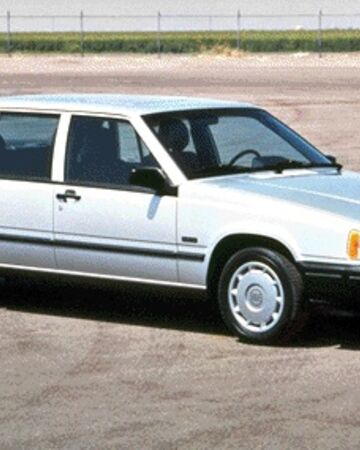 Volvo940sedan.jpg