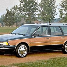 Buick Century Special 4DR Wagon (1995).jpg