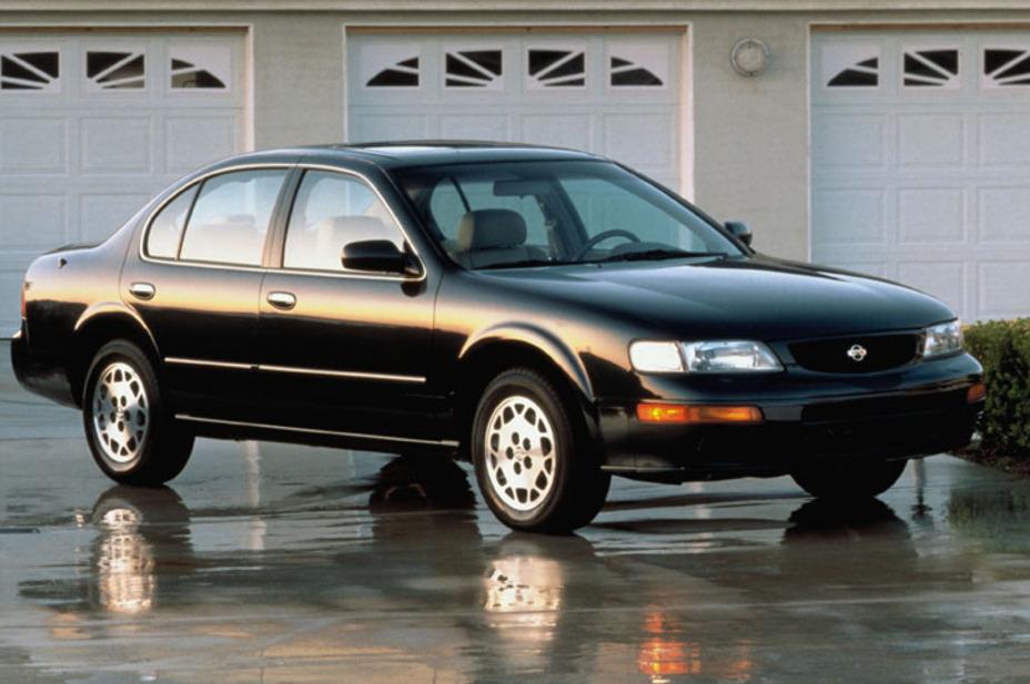 1995 Nissan Maxima GLE 4DR Sedan.jpg