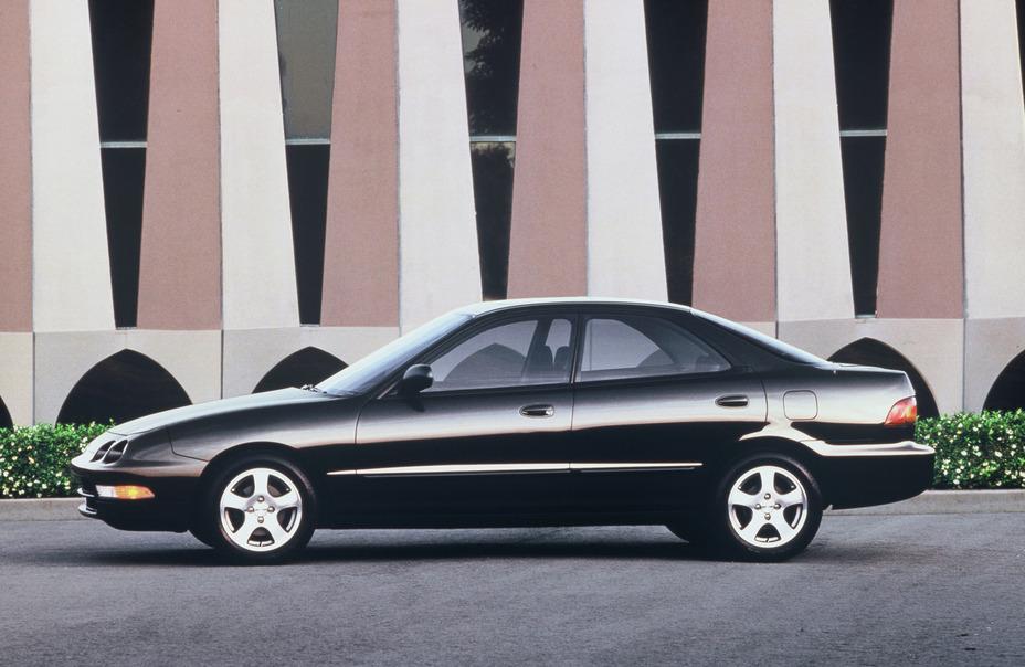 Acura Integra SE 4DR Sedan (1995).jpg