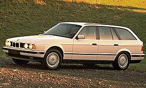 BMW 525i 4DR Wagon (1994).jpg