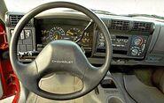 Chevrolets10 steeringwheel