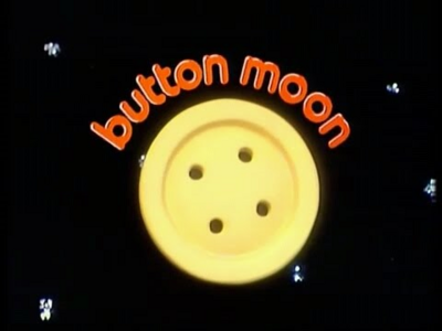 Button moon.png