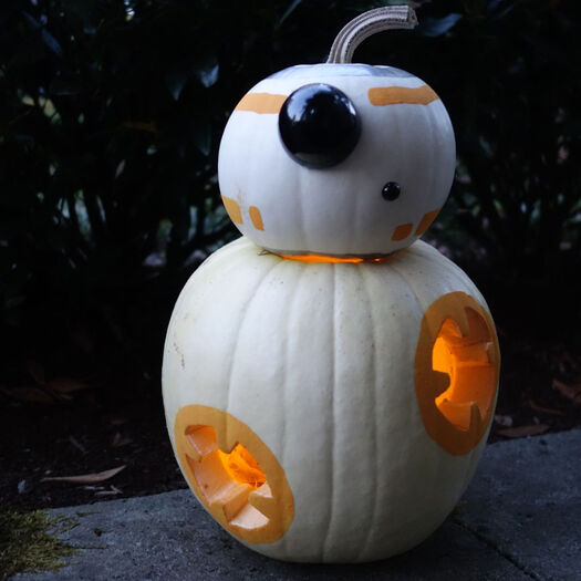 Get a Thumbs-Up from Trick-Or-Treaters with This BB-8-O'-Lantern | StarWars.com