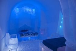 Palace bedroom.jpg