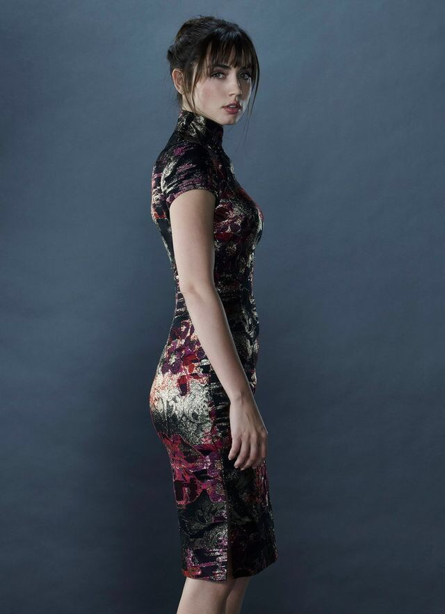 Ana De Armas Oriental dress