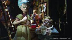 Daphne & Tiny (Aardman's Stage Fright).jpg