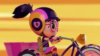 101a - Bike moves forward