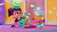 101b - Sick Squeaky Peepers start bouncing around