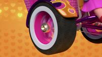 101a - Bike tire spins
