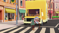 101a - Old man crosses the street