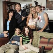 8 Simple Rules Photo 02