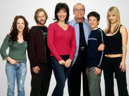 8 Simple Rules Photo 01