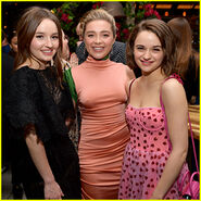 Joey-king-florence-pugh-kaitlyn-dever-hfpa-party
