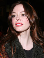 Rose McGowan TIFF 2008 (Straighten Crop)