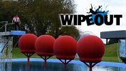 Richard Hammond Attempts the Big Red Balls Wipeout HD