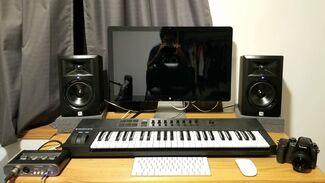 Curran Son Studio 01.jpg