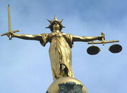 Lady Justice atop Old Bailey