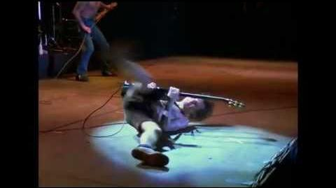 AC_DC_-_Rocker_Live_From_Paris_1979_(with_Bon_Scott)