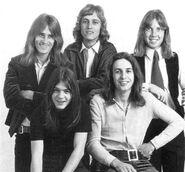 Malcolm Young en 1971-1972 con The Velvet Underground