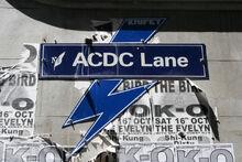 ACDC Lane (por Chris Brown).jpg