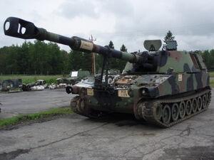 M109A5 in repair.JPG
