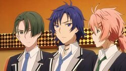 Koya shaking his head to Chiguma and Takato.jpg