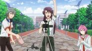 Kakeru ready to give his signal to Saku