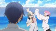 Uta flailing his arms at Sosuke