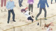 Kakeru running near his sister during the race