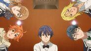 Saku, Hinata, Mitsuki, Ryo, and Satsuma looking at the honey toast