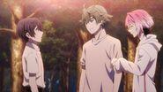 Uta apologizing to Saku to keep him waiting