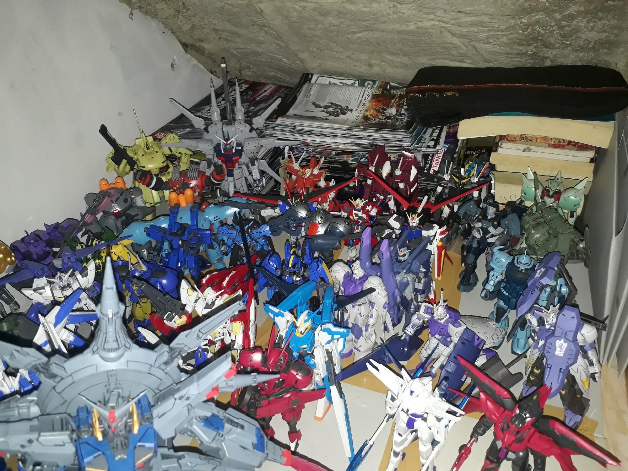 "My gunpla cave little cortapia ""la republica del gunpla"" 2"