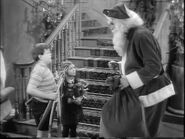 49.Christmas.with.the.Addams.Family 080